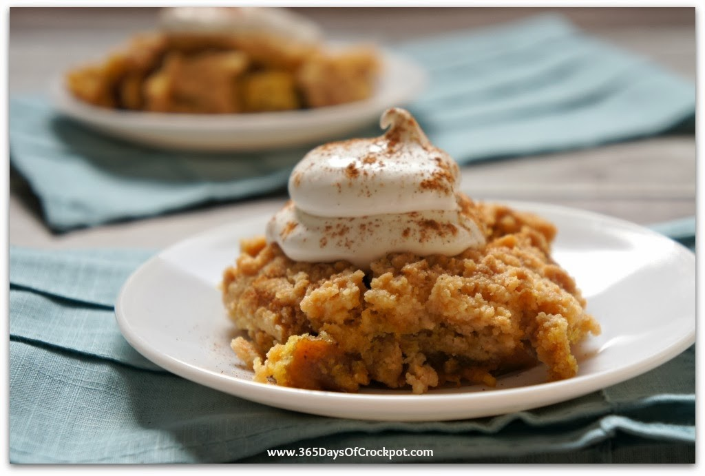 Slow Cooker Pumpkin Dump Cake | Hearty Crockpot Recipes For Fall | Homesteading Easy Recipes