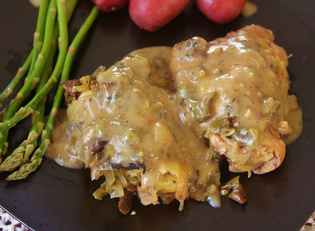 Slow Cooker Tarragon Chicken With Mushroom Cream Sauce 365 Days Of Slow Cooking And Pressure