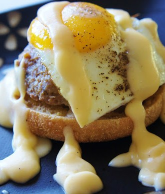 Recipe for Slow Cooker Turkey Burgers with a Faux Hollandaise Sauce