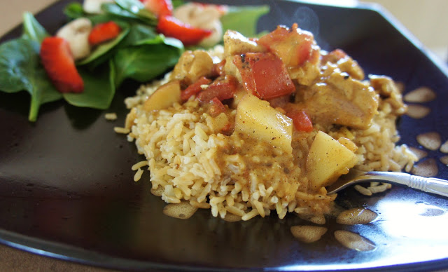 Easy Crockpot Recipe for Slow Cooker Coconut Chicken Curry #crockpot #slowcooker #curry