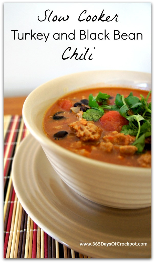 Recipe for Slow Cooker Turkey and Black Bean Chili #crockpot #soup #slowcooker