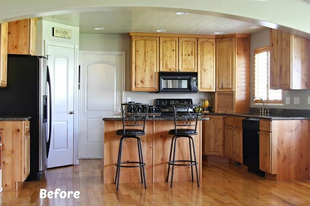 paint kitchen cabinets before and after white painted kitchen cabinet reveal with before and after 24294