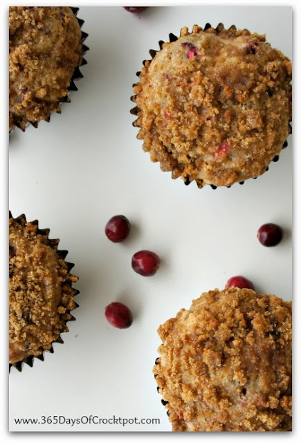 Recipe for Cranberry Apple Muffins with Crunchy Crumb Topping #grapenuts #muffins #cranberries