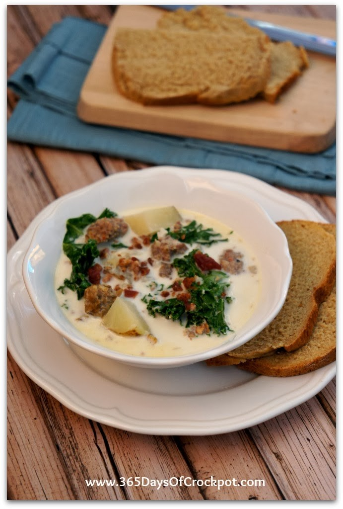 Easy Slow Cooker Recipe for Zuppa Toscana (Olive Garden Copy Cat).  This is better than Olive Garden!  It is creamy, flavorful and best of all soooo easy to make.  A new family favorite! #olivegarden #soup #copycat #slowcookerrecipe #crockpotrecipe