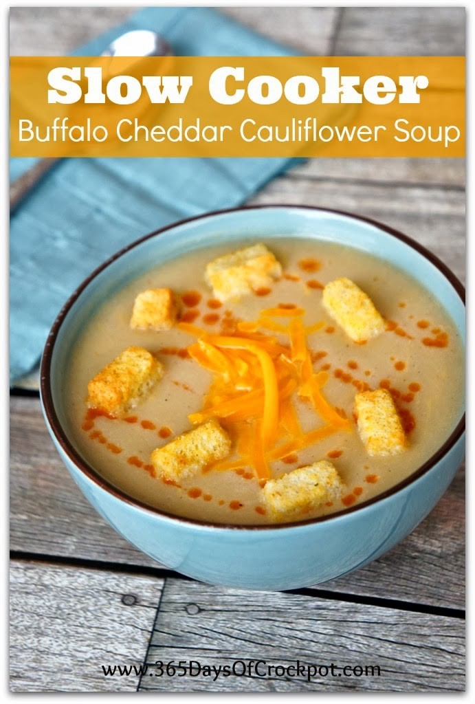 Recipe for Slow Cooker Buffalo Cheddar Cauliflower Soup #crockpot #meatlessmonday #easydinner #soup