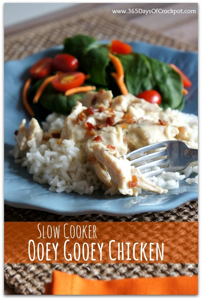 {Copy Cat Recipe for Good Seasonings Italian Dressing Mix} plus recipe for Ooey Gooey Chicken in the Crockpot (a creamy, flavorful chicken recipe the whole family will love) #easydinner