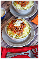 Recipe for Slow Cooker Everything But the Kitchen Sink Spaghetti Sauce and Spaghetti Squash #healthyslowcooker #crockpotrecipe