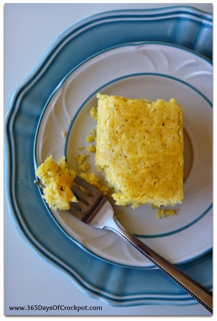 Crockpot cornbread recipe! Perfect for those hot summer months when you don't want to turn on your oven.