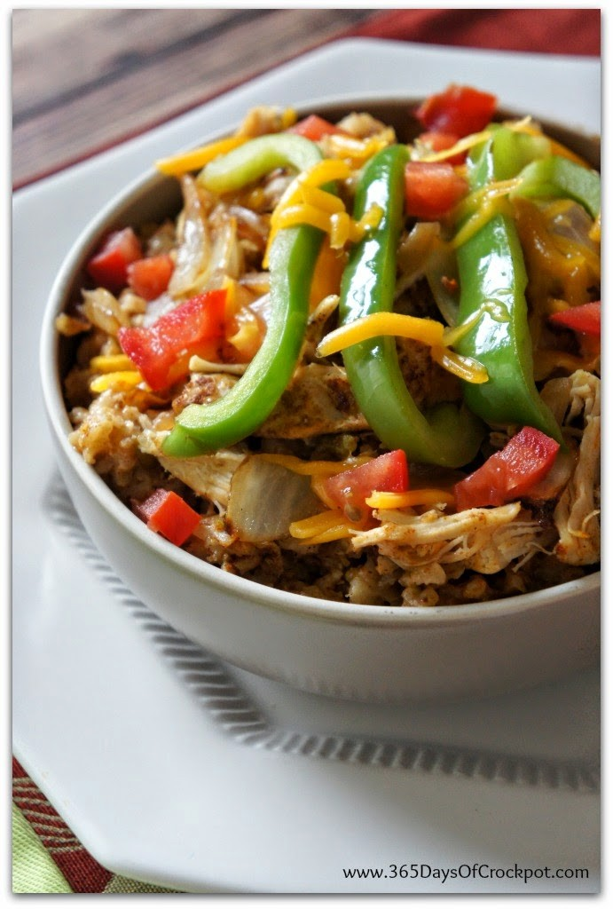 Slow Cooker Chicken Fajita Rice Bowls #slowcooker #chicken #crockpotrecipe