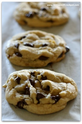 My Favorite Chocolate Chip Cookies (+video)