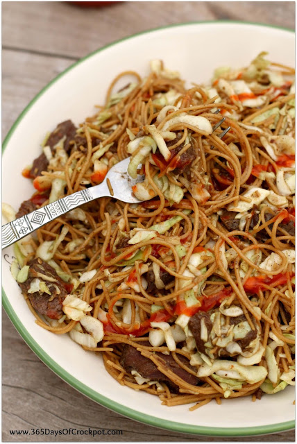 Slow Cooker Peppery Beef Noodles with spicy Sriracha and crisp cabbage. This is an easy to make recipe in the slow cooker.