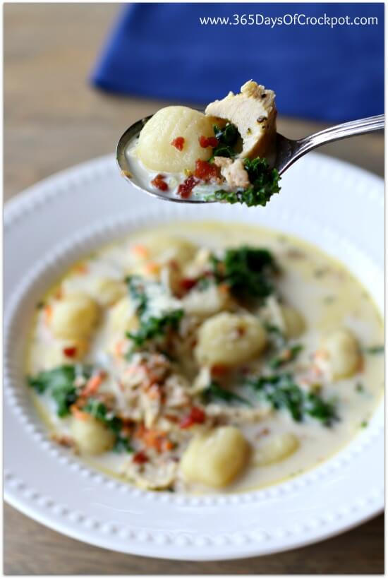 Crockpot recipe for chicken and gnocchi soup with parmesan and bacon and kale