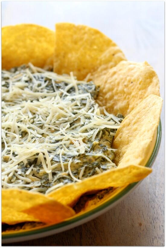 Easy Crockpot Recipe for Spinach Dip--cheesy and creamy