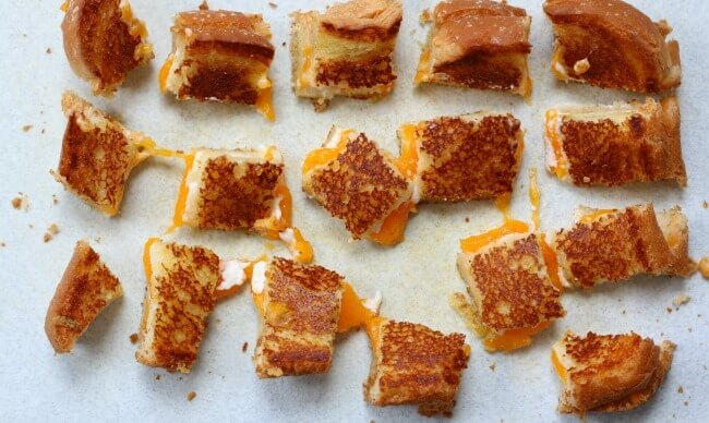 grilled cheese croutons with cream cheese and cheddar
