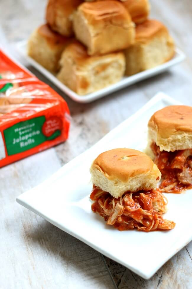 kings hawaiian jalapeno rolls with spicy chipotle shredded chicken (slow cooker)