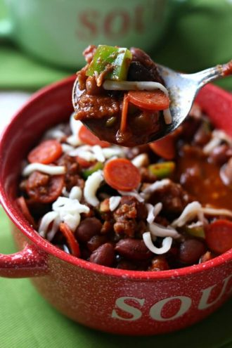 Slow Cooker Pepperoni Pizza Chili