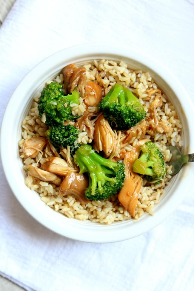 Instant pot chicken broccoli rice bowl 365 days of slow cooking instant pot chicken broccoli rice bowl brown rice is topped with a savory asian forumfinder