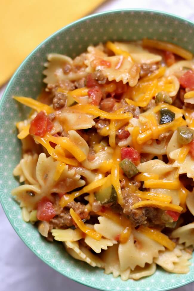 Instant Pot Cheeseburger Pasta--all the amazing flavors from cheeseburgers in a one pot pasta dish. Your whole family will love this dinner!