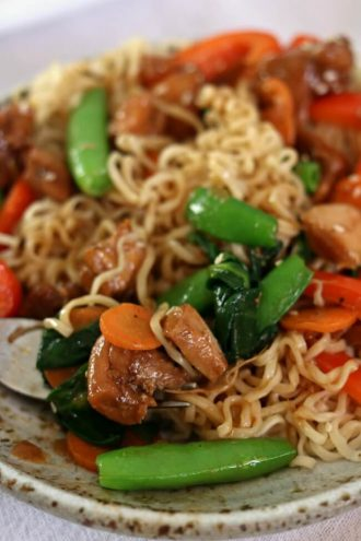 Instant Pot Honey Bourbon Chicken Noodle Bowls