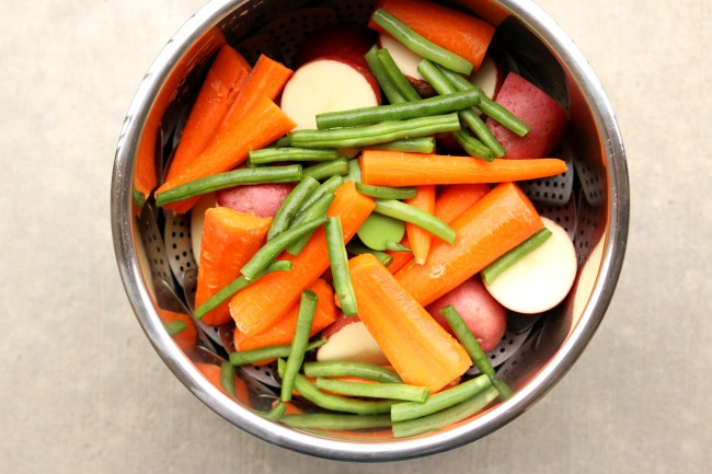 steaming vegetables in the Instant Pot