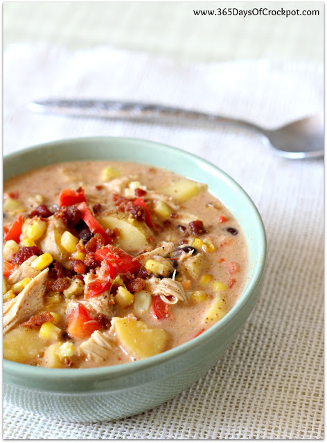 Instant Pot Mexican Corn Chowder--This creamy corn chowder recipe is filled with sweet corn, potatoes, chicken, black beans, salsa and cream cheese. This particular chowder recipe has lots of mild Mexican flavors and is family friendly.