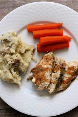 Slow Cooker Chicken and Mashed Potatoes
