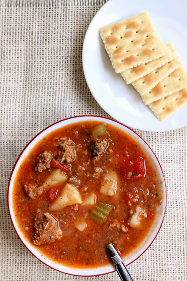 Slow Cooker Vegetable Beef Soup--an easy, healthy and delicious soup with ground beef (or turkey) and vegetables. A perfect soup to make on a winter day. The leftovers are a great lunch the next day too!