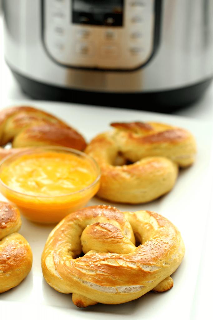 soft pretzels with Instant Pot