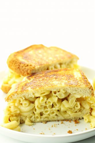 Garlic Mac and Cheese Sandwich