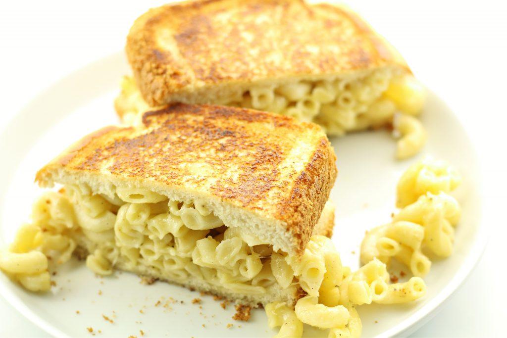 Garlic Mac and Cheese Sandwich